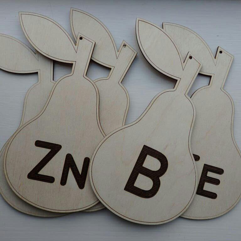 Bor_Lasertechniek_standinrichting_houten figuren